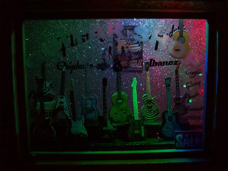 Le Guitar Shop 32