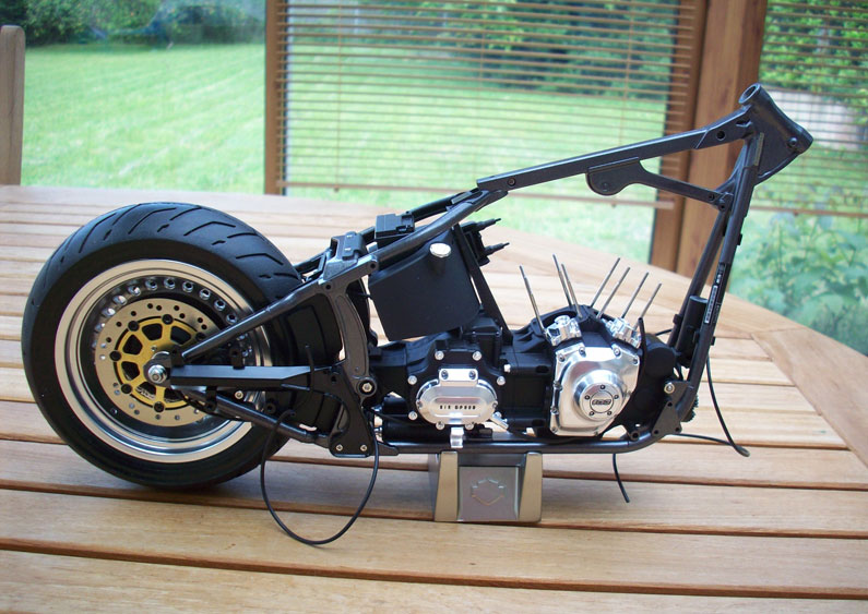 1:6 Harley Davidson Fat Boy Lo (1) - Page 2 13