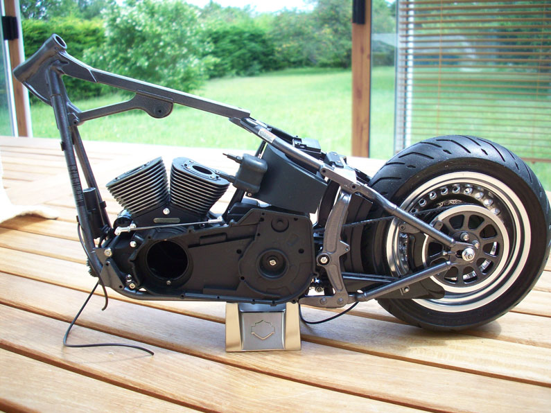 1:6 Harley Davidson Fat Boy Lo (1) - Page 4 14