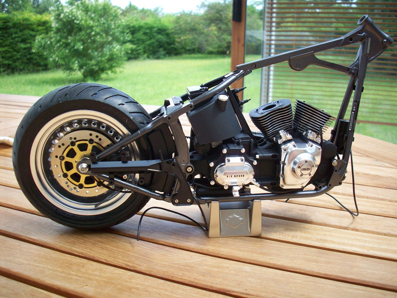 1:6 Harley Davidson Fat Boy Lo (1) - Page 4 15