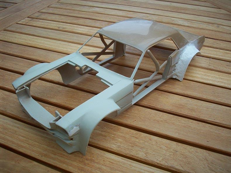Doubler les roues (ou essieux) et élargir les ailes  C9