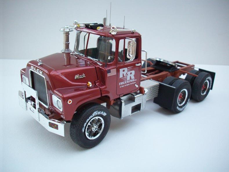 Mack DM600 1