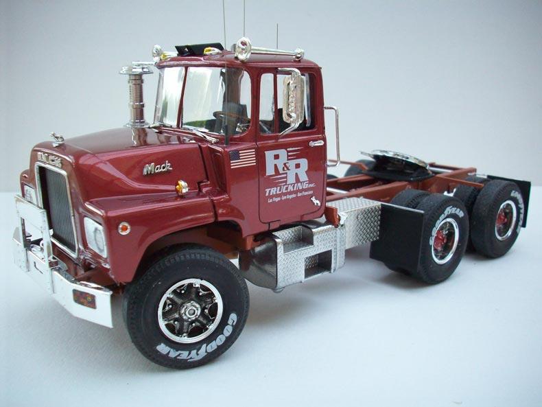 Mack DM600 10