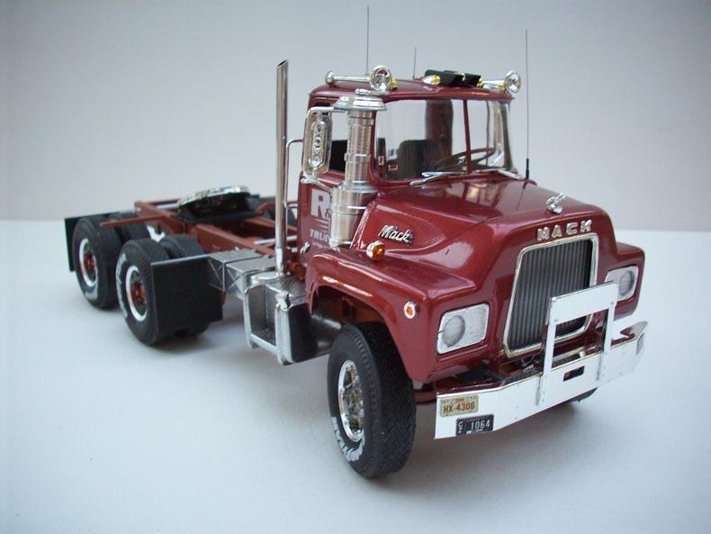 Mack DM600 11