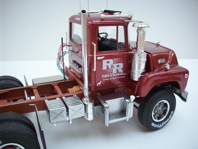 Mack DM600 12