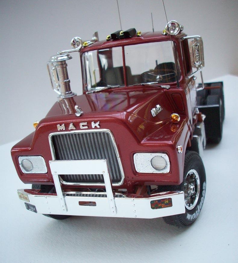Mack DM600 13
