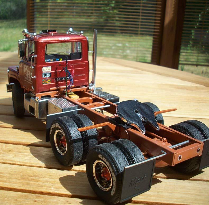 Mack DM600 15