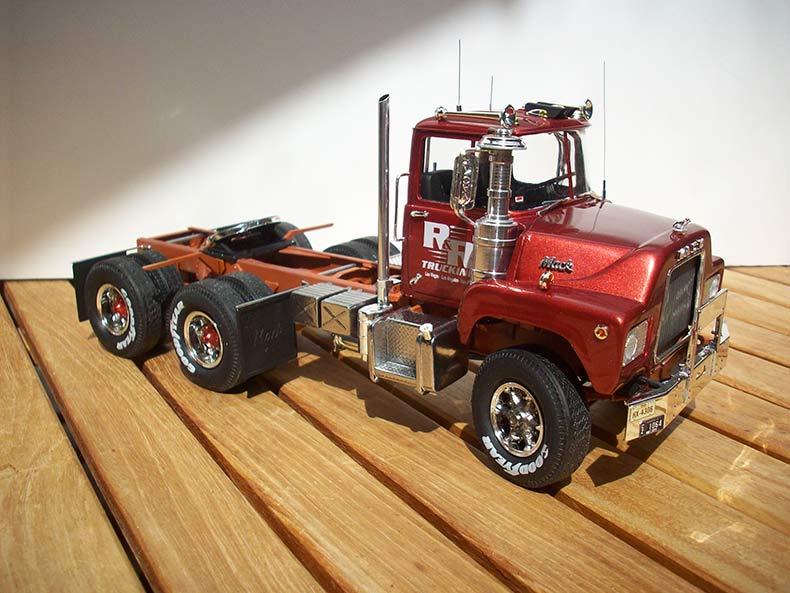 Mack DM600 16