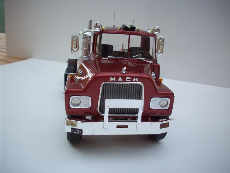 Mack DM600 3