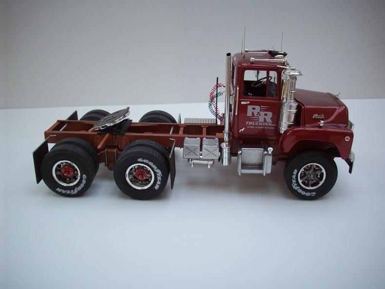 Mack DM600 6
