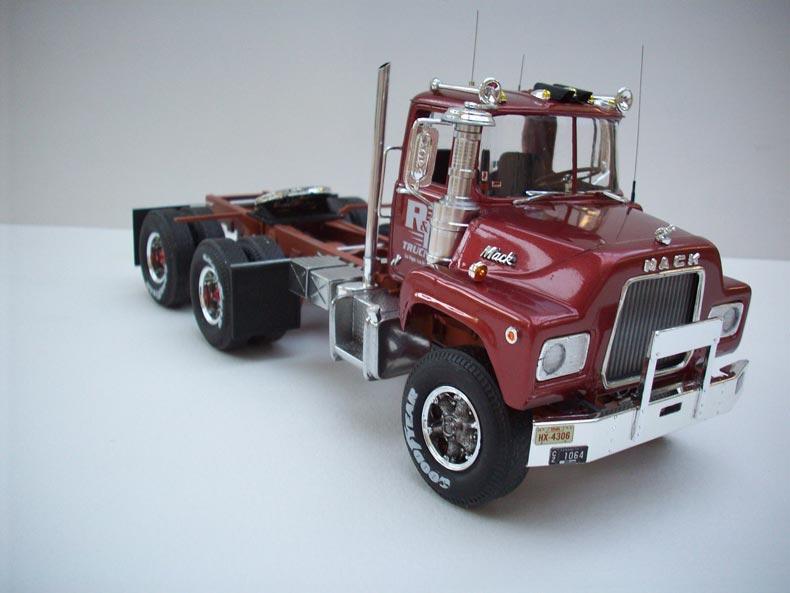 Mack DM600 7