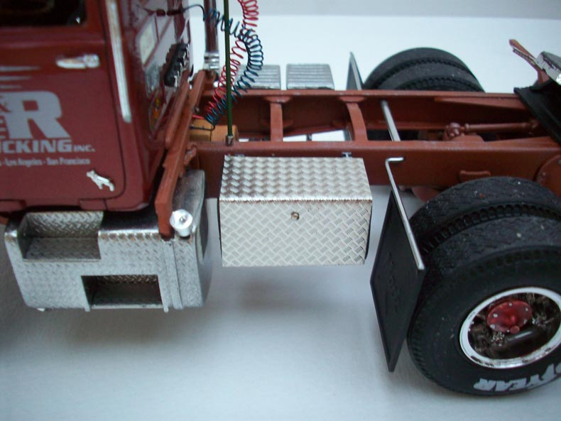 Mack DM600 8
