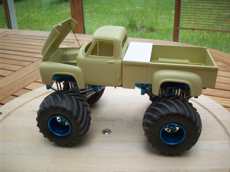 Ford F100 Monster Truck 24