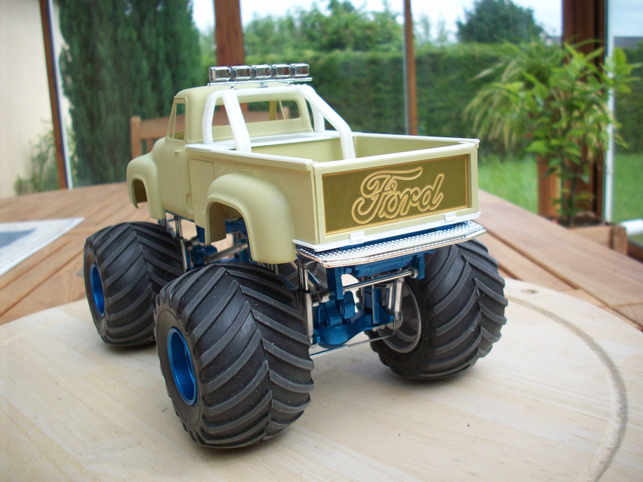 Ford F100 Monster Truck 30