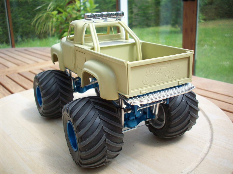 Ford F100 Monster Truck 31