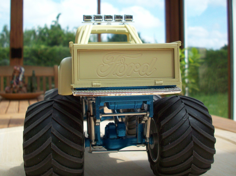 Ford F100 Monster Truck 32