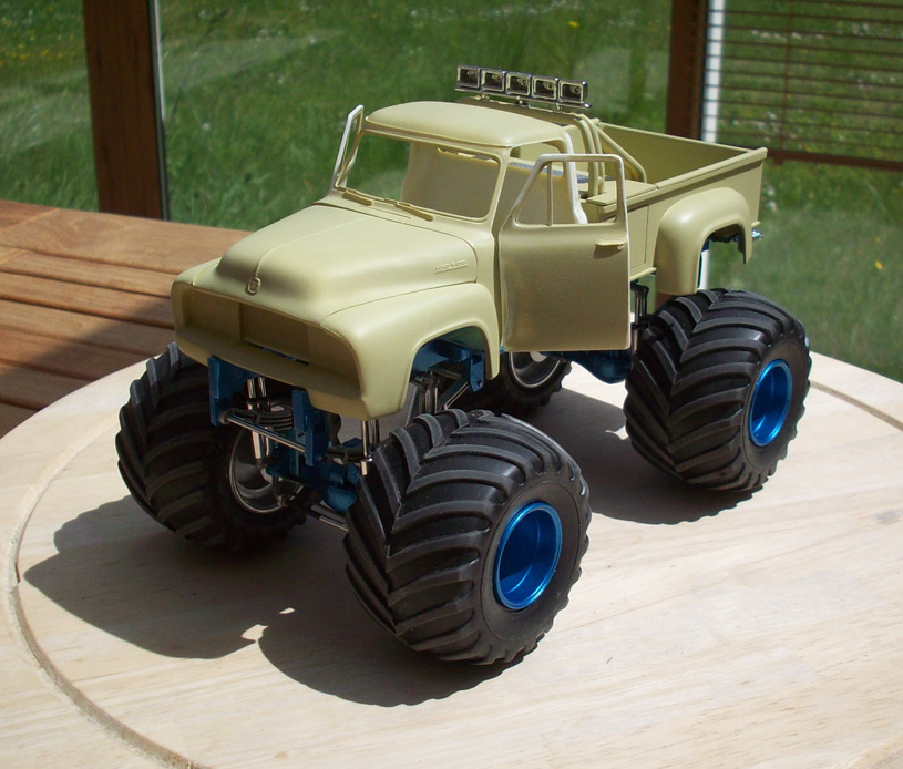 Ford F100 Monster Truck 33