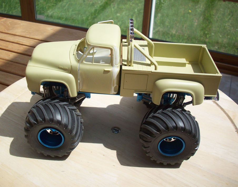 Ford F100 Monster Truck 35