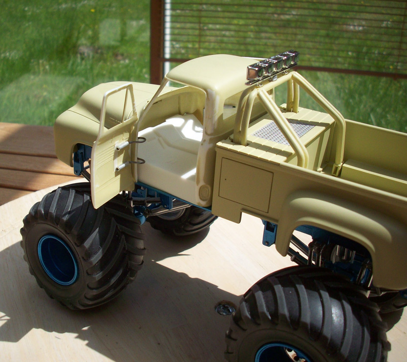 Ford F100 Monster Truck 36