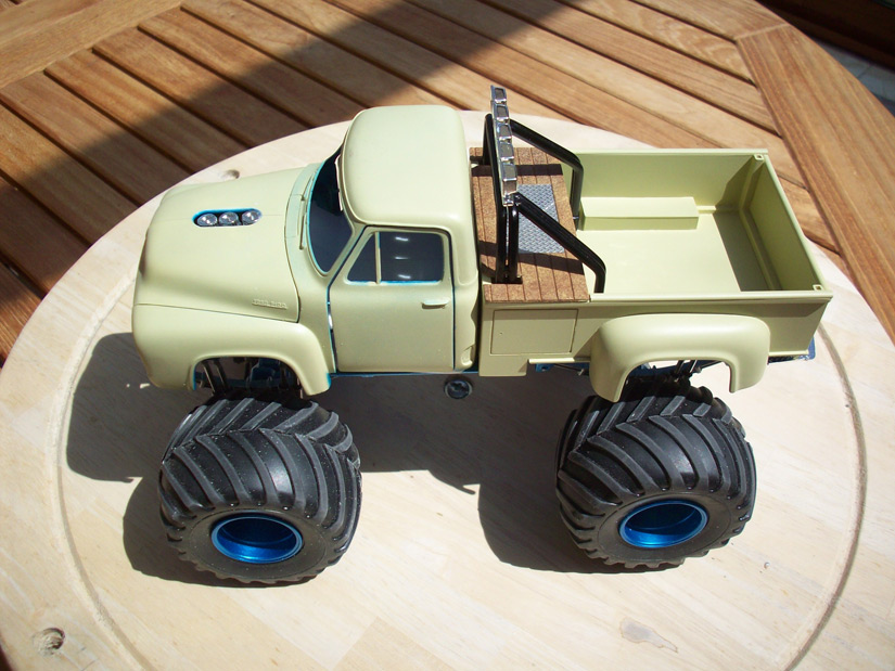 Ford F100 Monster Truck 41