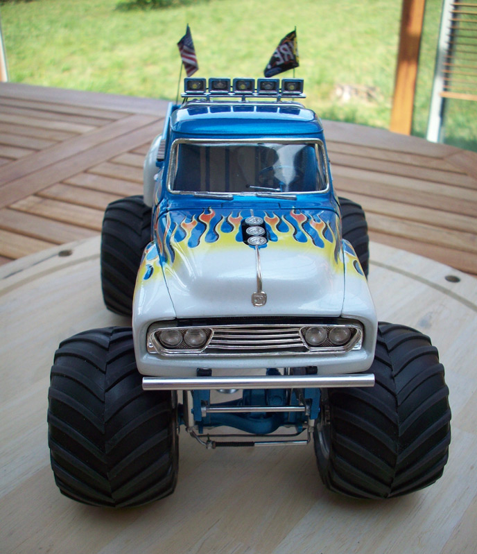 Ford F100 Monster Truck 76