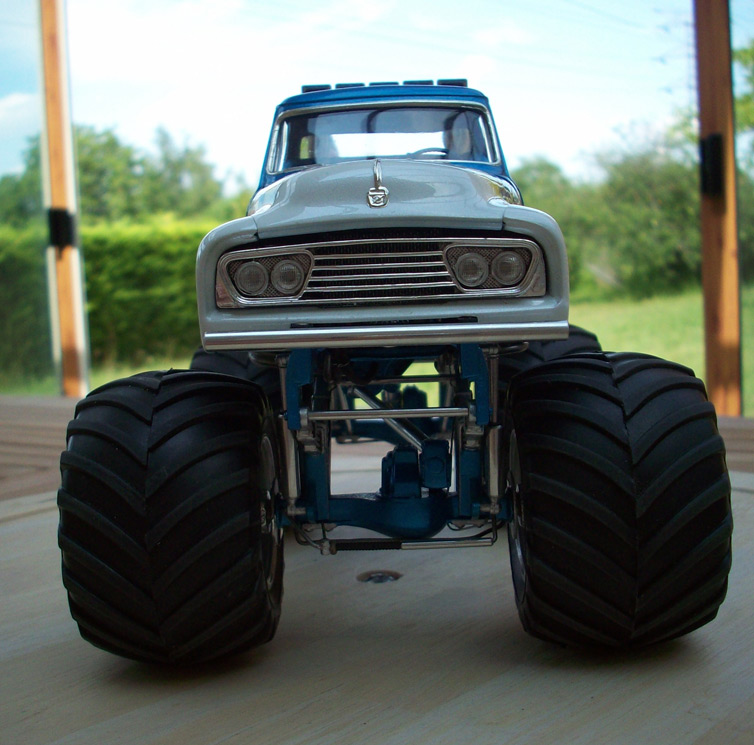 Ford F100 Monster Truck 77