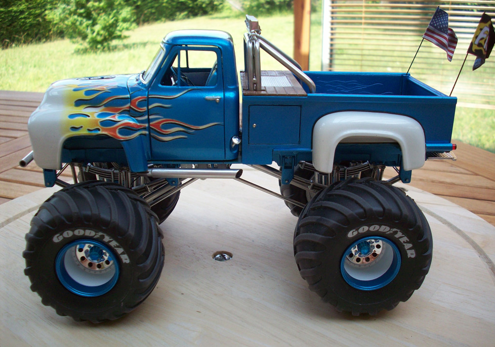 Ford F100 Monster Truck 79