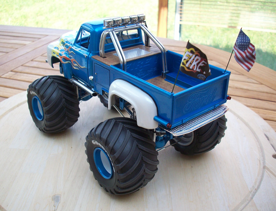 Ford F100 Monster Truck 80