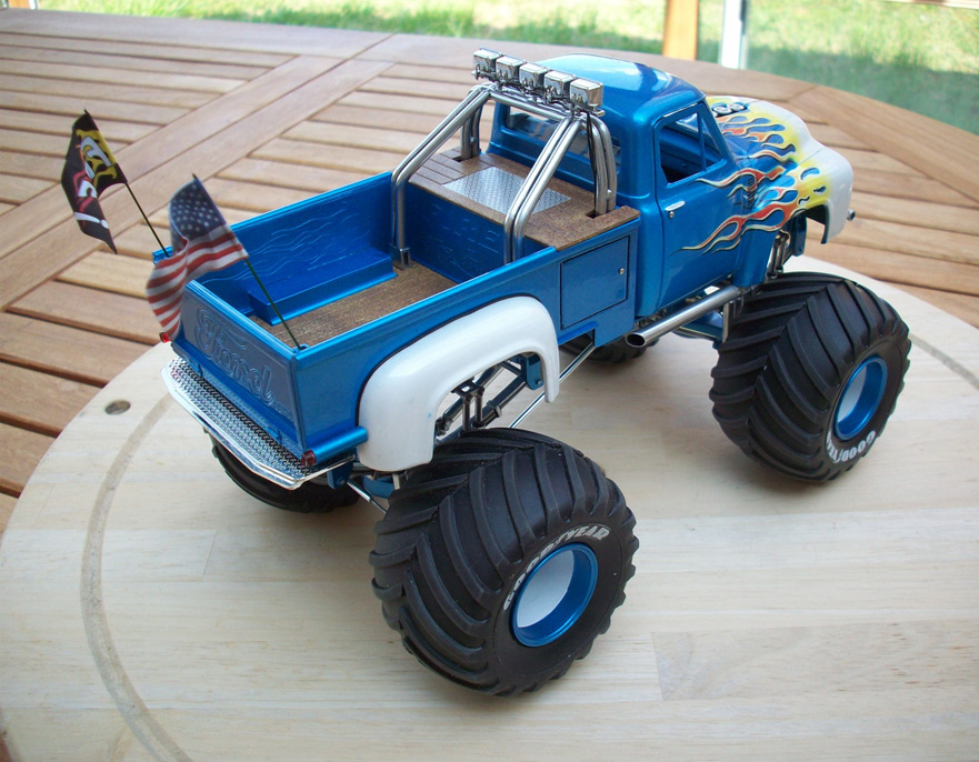 Ford F100 Monster Truck 81