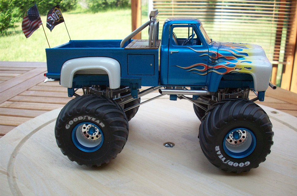 Ford F100 Monster Truck 82
