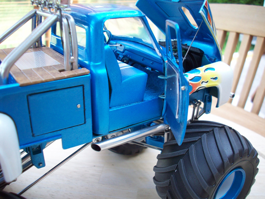 Ford F100 Monster Truck 90