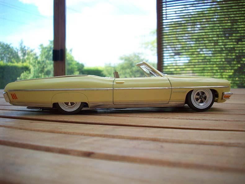 Pontiac Bonneville 1970 3