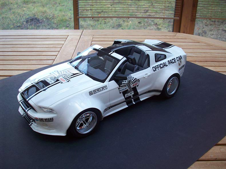 Shelby GT500 Pace car 1/12 [terminé] - Page 9 85
