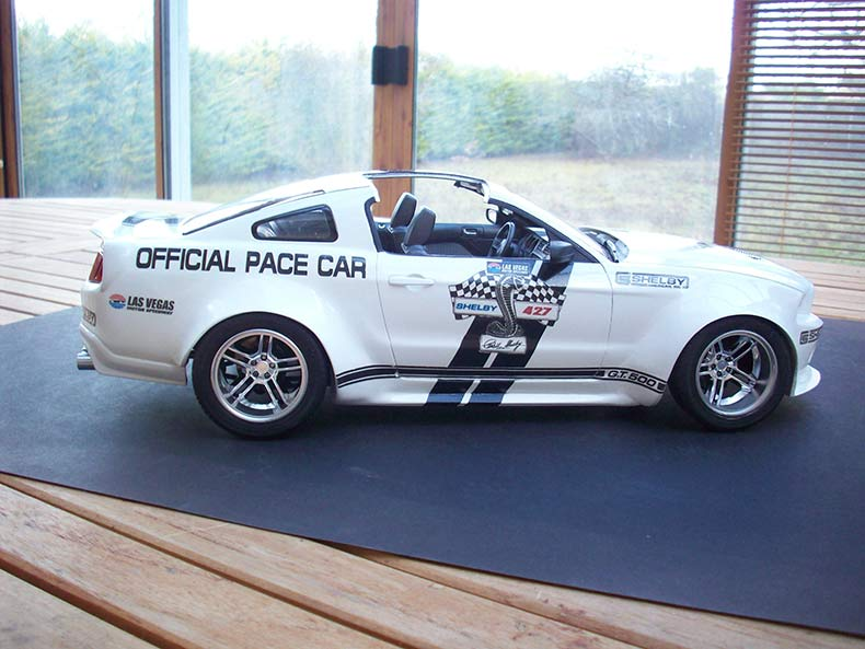 Shelby GT500 Pace car 1/12 [terminé] - Page 9 89