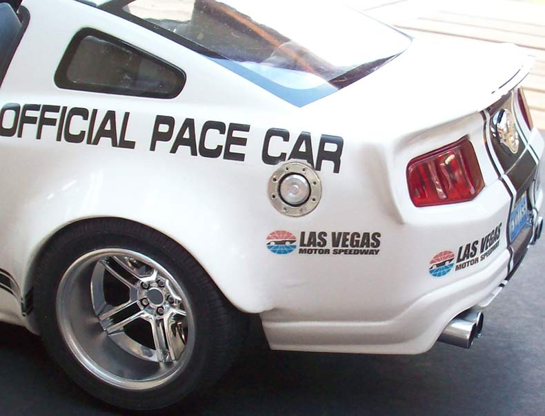 Shelby GT500 Pace car 1/12 [terminé] - Page 9 95